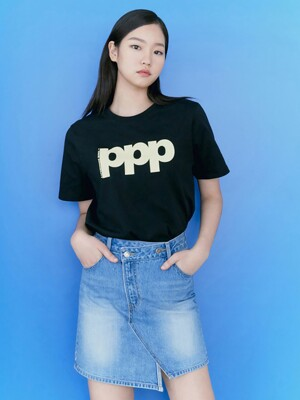P Logo Graphic TShirts  Black (KE1240M025)