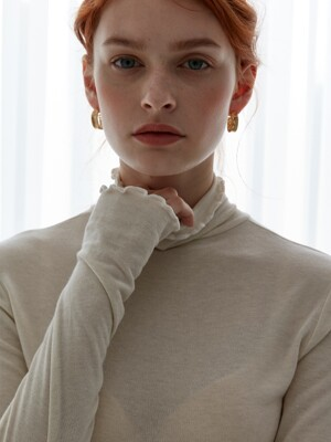 comos`262 slim turtleneck-t (ivory)