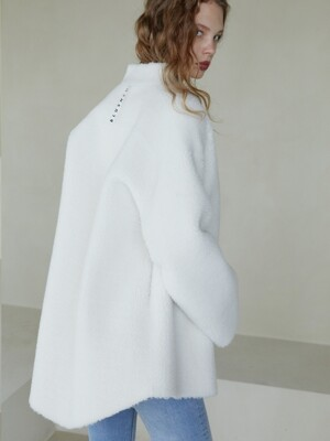WHITE FUR MUSTANG JACKET