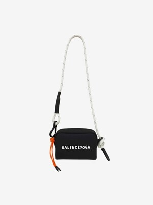 [UNISEX] 19FW BALANCEYOGA CAMERA BAG BLACK EGY117