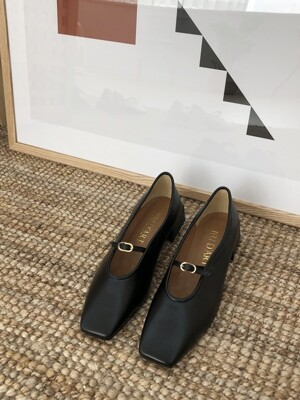 square monet buckle flat _black