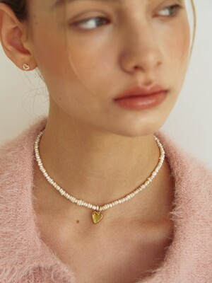 heart warming pearl necklace (14k Gold filled)