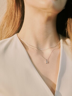 BAGUETTE LAYERED NECKLACE