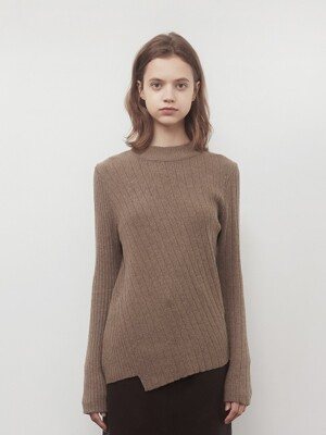A DIAGONAL LINE KNIT