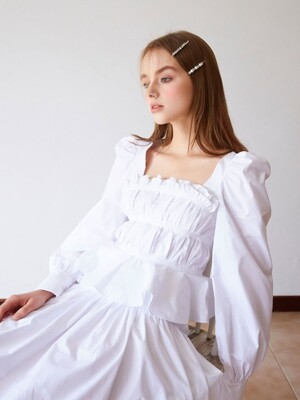 Pleats taped blouse (White)
