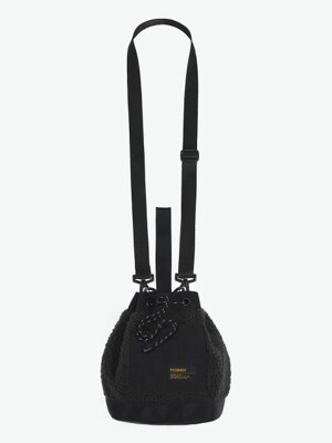 FLEECE BUCKET BAG (BLACK)