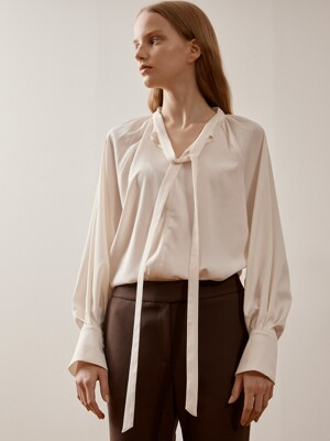 ivory long tie blouse VWBLKK1000