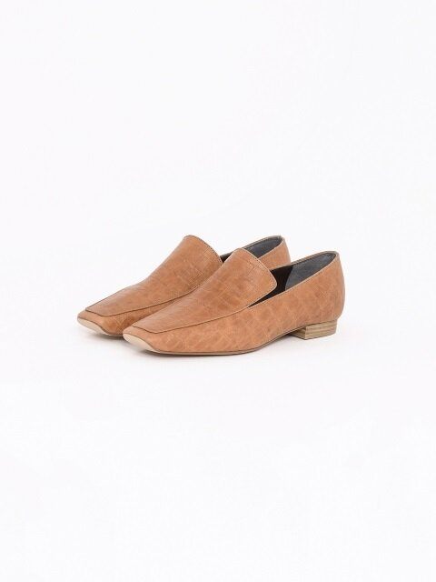 20mm Tilda Croc-Embossed Leather Loafer (Camel)
