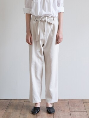 19FW BELTED COTTON TROUSERS (IVORY)