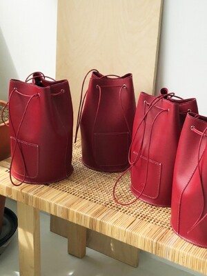 minimal cylinder bag - red color