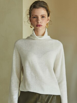 alpaca whole garment knit (ivory)