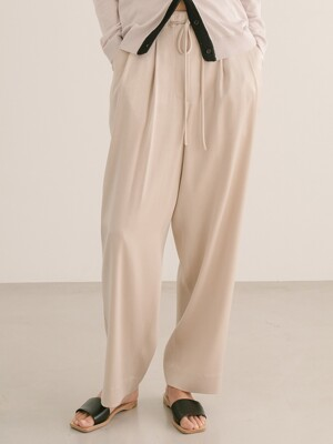 [단독] PALE BEIGE STRING LOOSE FIT PANTS