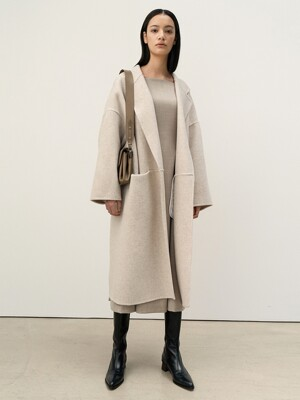FW20 Wide Robe Coat Ivory-Melange