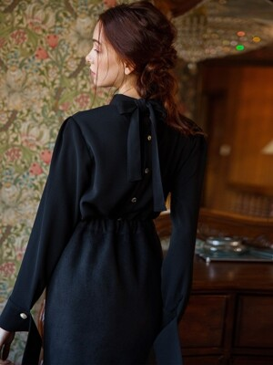 BLACK LONG CUFFS BLOUSE