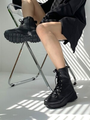 Mannish Sneakers Walker Boots