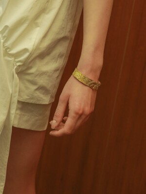 gold koal bangle