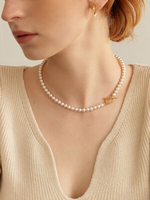 Dot Toggle Pearl Necklace (2color)