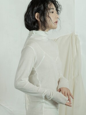 라인 하이넥 탑 : Line high neck top - ivory