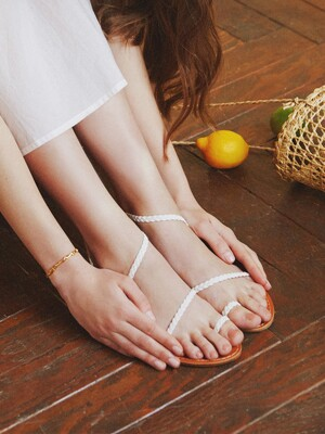 SIMPLE BRAIDED SANDALS_WHITE