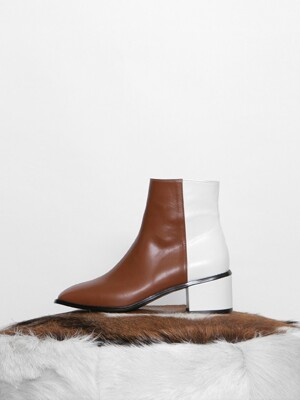 PULLUP TWO-COLOR BOOTS - BROWN + WHITE