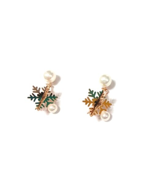 Holiday snow emerald Silver earring