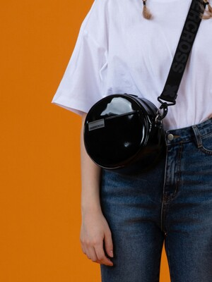 CIRCLE MINI CROSS BAG MONO ENAMEL BLACK