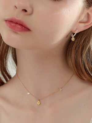 FEMME CUBIC COIN NECKLACE_GOLD