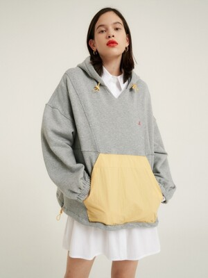 Oversized hooded pullover