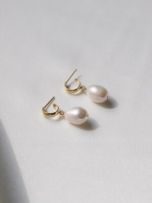 simple ugly pearl earrings (2colors)