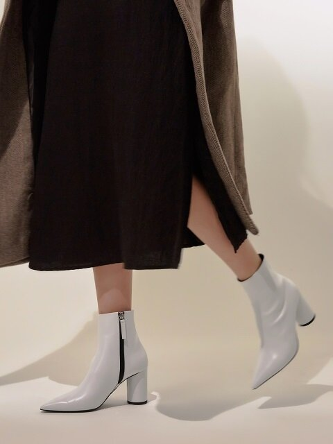 Sharp and Neat Ankle Boots_MM011_OW