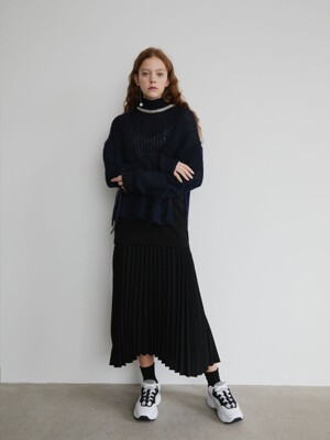 19' FALL_Black Slim Pleated Skirt