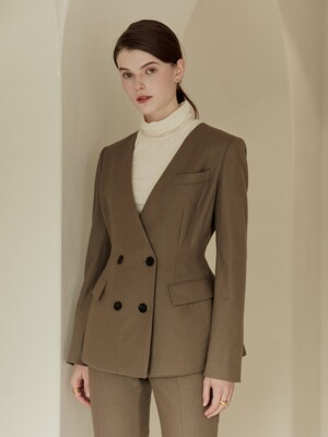 JADE Collarless voluminous constructed blazer (Light khaki brown)