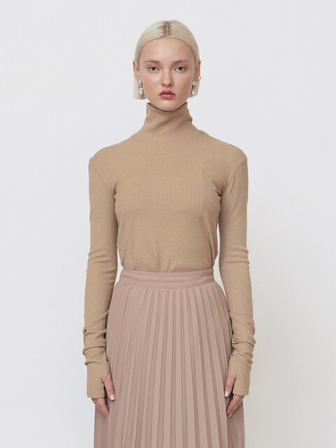 18FW 'THE NEW ORDNUNG' EMBROIDERED TURTLENECK - BEIGE