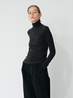 wool cutting turtle-neck tee (black)