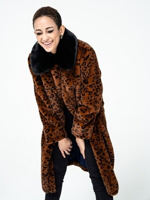 BLACK COLLAR LEO COAT