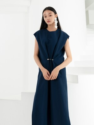 LINEN EYELET LONG DRESS . NAVY