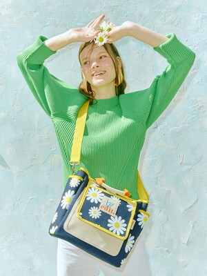 [EXCLUSIVE]Garden of April Edition Edit Bag M
