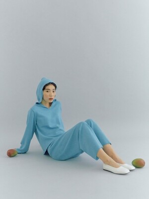 [flat] TURQUOISE WHOLEGARMENT WOOL KNIT PANTS