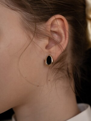 Black Oval Cell Earring