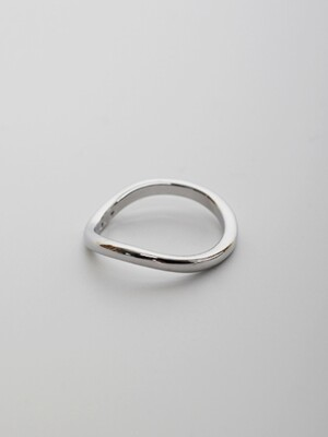 LU43 TOUxHAS Silver semi curved ring