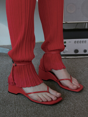 STRING WEDGE SANDAL - RED