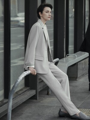 [Drama Signature] Two-button Blazer + Straight Trousers SET (PALE KHAKI)