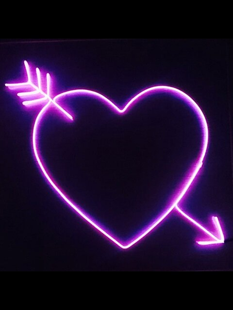 Cupid Hart color neon