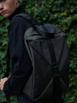 SQUARE BUCKLE BACKPACK