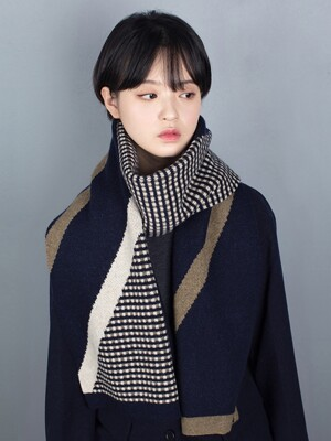 simple retro muffler navy