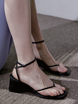 STRING WEDGE SANDAL - BLACK