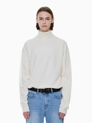 STANDARD TURTLENECK KNIT_IVORY