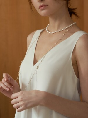 Shine lock & key pearl long necklace_NZ1103