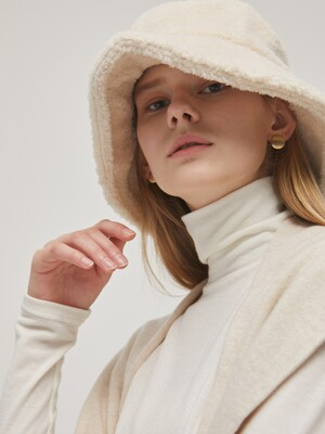 Shearling Bucket Hat - Cream
