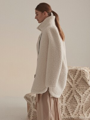 Mouton Faux-Shering Reversible Middle Mustang Coat_Ecru Ivory